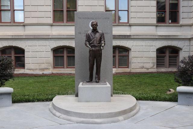 statue of jimmy carter at georgia state capitol