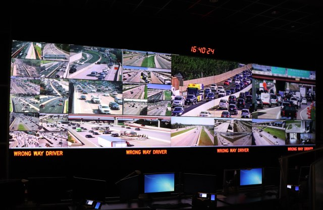 picture of NTAA tollroad control room with wrong-way driver detection