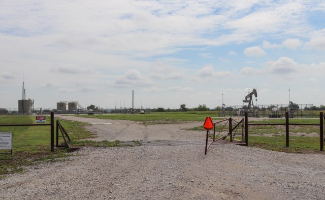 picture of a natural gas site in dish texas