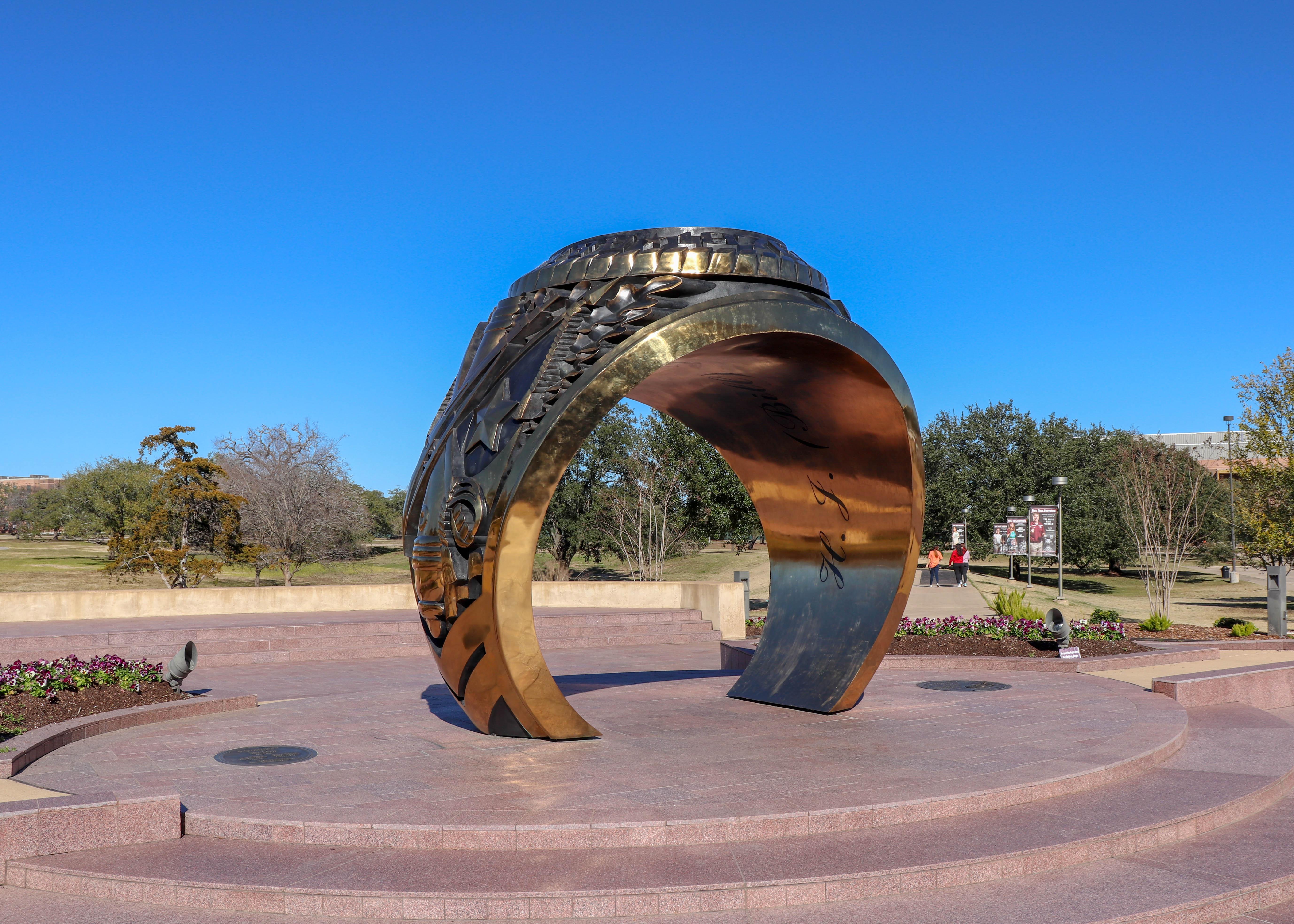Hayes Ring Plaza